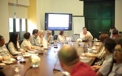 """""""La educación como motor de la competitividad"""": Eduardo Vélez Bustillo El experto internacional colombiano, visitó la Cámara de Comercio de Cartagena para sostener un diálogo con líderes gremiales, académicos y representantes del sector educativo local."""